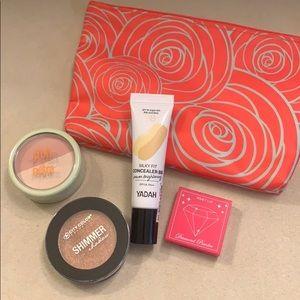 Make up bundle with make up bag